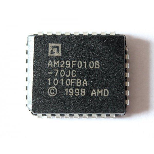 к которому по восьми каналам подключено шестнадцать микросхем micron nw631 (mt29f128g08cecdbj4-10:d)